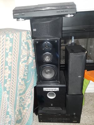 Sony Automatic Turn Table with Yamaha Surround Sound System for Sale in Riverside, CA