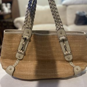 """Gucci Bag! Straw Bag Leather Handles. 18""""w X 11""""h Very Good Condition for Sale in Lincolnwood, IL"""