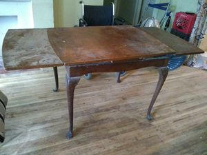 Old style kitchen table 3 leaf for Sale in Wichita, KS