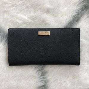 Kate Spade New York Leather Wallet for Sale in Chicago, IL