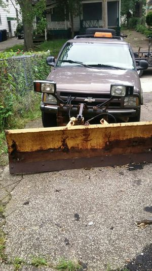 97 Chevy GMC Blazer for Sale in Cleveland, OH