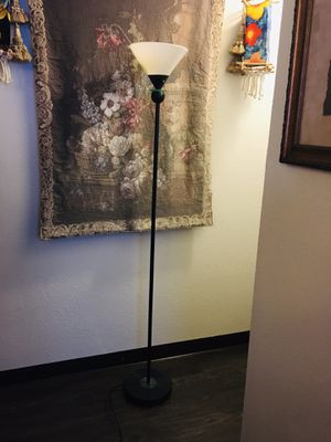 Floor lamp . for Sale in San Diego, CA