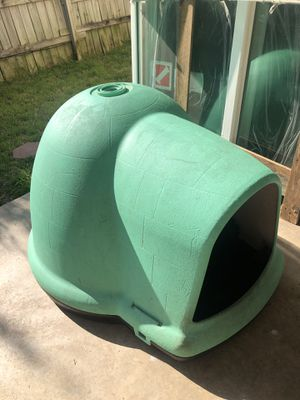 Igloo dog house for Sale in Austin, TX