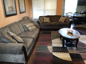 Living room set /couch for Sale in Helotes, TX