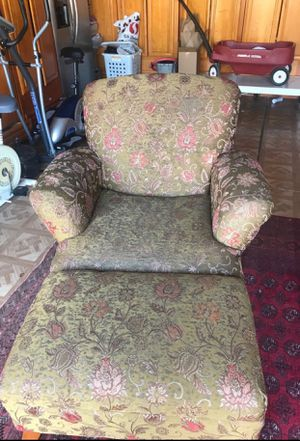 Chair and ottoman bench for Sale in Brentwood, CA