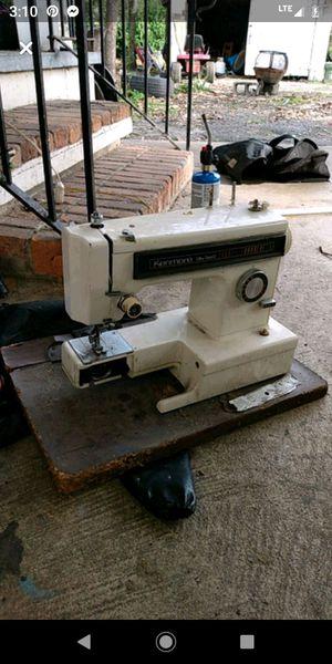 Kenmore ultra stitch 12 sewing machine for Sale in Vidalia, GA