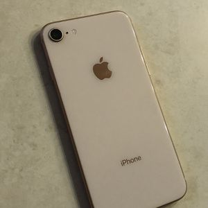 Apple iPhone 8 64gb Gold Unlocked for Sale in Corona, CA