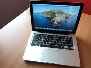 Macbook Pro - 2.5GHz Intel Core i5 - Excellent Condition for Sale in Houston, TX