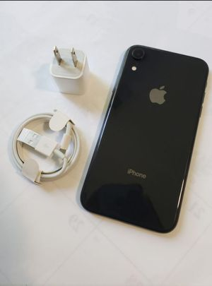 """iPhone XR 64GB ,,Factory UNLOCKED Excellent CONDITION """"aS liKE nEW"""" for Sale in Springfield, VA"""