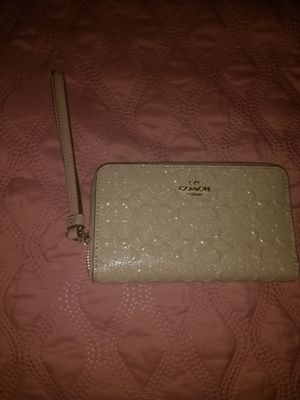 New authentic Coach wallet wristlet for Sale in Franklin Park, IL