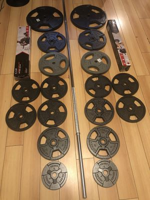310 lb weight set plate with Cap barbell standard 7 ft bar, Cap super curl bar, CAP Barbell Standard Weight Lifting Bar 5ft, for Sale in Hayward, CA