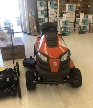New Husqvarna 18.5-HP Hydrostatic 42-in Riding Lawn Mower for Sale in Georgetown, KY