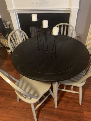 Farm house table and chairs for Sale in Stockbridge, GA