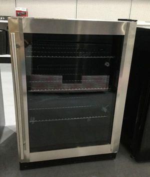 Can Beverage Cooler Fridge Refrigerator Home Appliances Kitchen Refrigerador Magic Chef HMBC58ST for Sale in Miami, FL