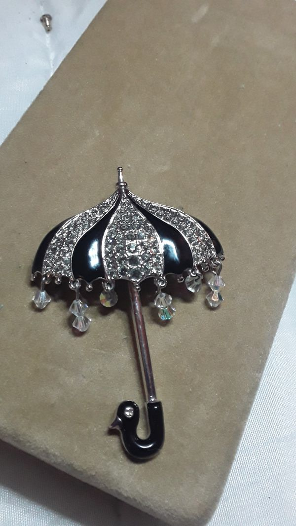 Gorgeous retired Swarovski rhodium umbrella brooch flawless condition never worn