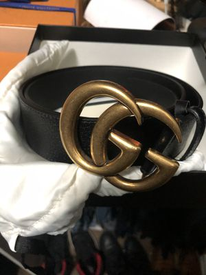 Gucci belt size 95 around a 32/34 authentic for Sale in Bakersfield, CA
