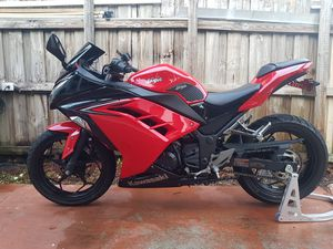 Kawasaki Ninja 300 2016 ABS Clean Title for Sale in Hialeah, FL