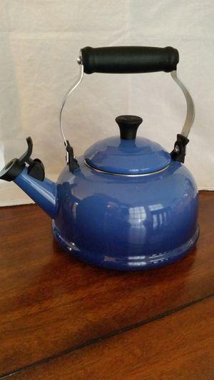 LE CREUSET Whistling 1.7 Quart Tea Kettle - Blue for Sale in Olney, MD