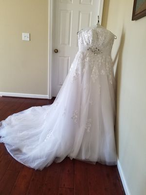 Wedding dress, size 2 for Sale in Raleigh, NC