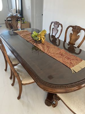 Dinning table / living room / entrance set / side tables / coffee tables / chairs / Antique for Sale in Miami Gardens, FL