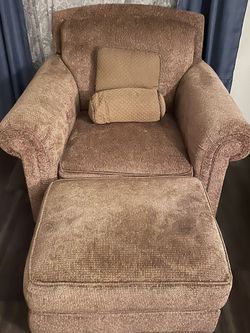 Couch With Lounge Chaise for Sale in Sun City Center,  FL