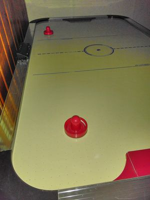 Full size air hockey table for Sale in Detroit, MI