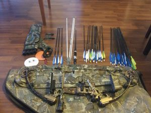 Hunting bow fred bear single cam compound$500 for everything!! for Sale in Scottsdale, AZ