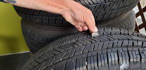 245/75R17 bridgestone Dueler (5) tires and wheels for Sale in Bolivar, WV