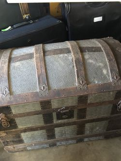 Vintage Trunk for Sale in Gainesville,  VA