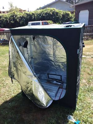 Urban farmer grow tent with all the bells and whistles for Sale in Arlington, WA
