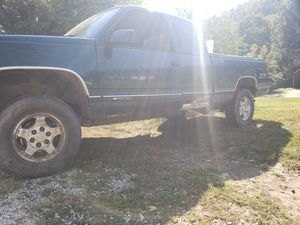 98 Silverado ex cab z71 offroad for Sale in Clendenin, WV