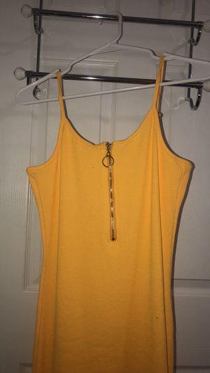 Fashion nova yellow dress for Sale in Bolingbrook, IL