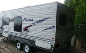 2013 Puma Travel Trailer Awesome condition inside and out! for Sale in Virginia Beach, VA