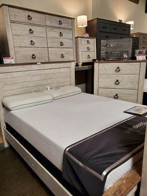 Whitewash Queen Bed Frame for Sale in Garden Grove, CA