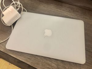"MacBook Air 11"" good condition working condition for Sale in Fort Lauderdale, FL"