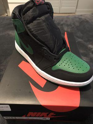 Jordan 1 pine green size 10 for Sale in Miami, FL