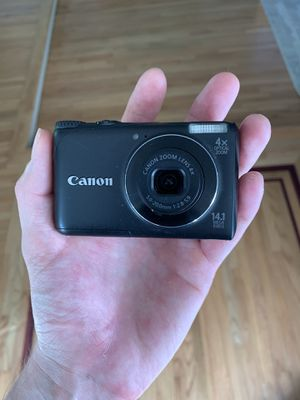 Canon power shot digital camera A2200 for Sale in Huntington Beach, CA