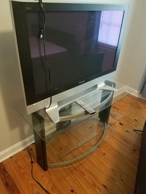 """Panasonic 42"""" flat screen & stand for Sale in Stonecrest, GA"""