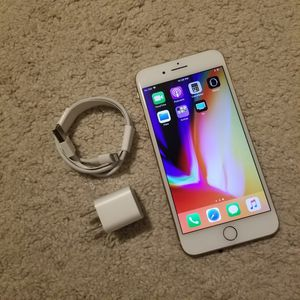 """iPhone 8 Plus 64GB ,,Factory UNLOCKED Excellent CONDITION """"aS liKE nEW"""" for Sale in Springfield, VA"""