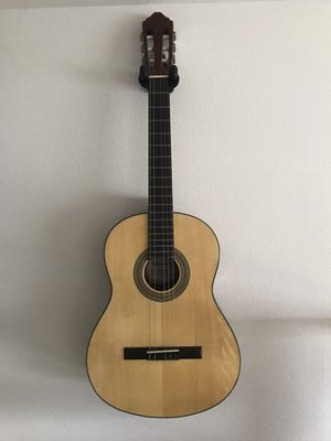 Samick nylon string acoustic guitar with gig bag for Sale in Seattle, WA