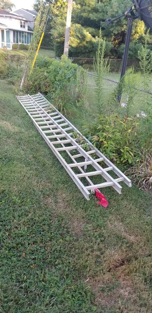 Aluminum 40 ft ladder for Sale in Columbus, OH