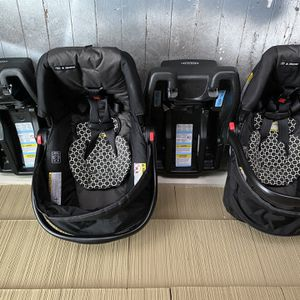 One Year Of Use 2 Car seats, Same Brand Same Shape On Both for Sale in Saugus, MA