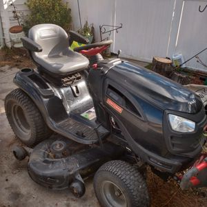 Working Craftsman Riding Mower for Sale in Virginia Beach, VA