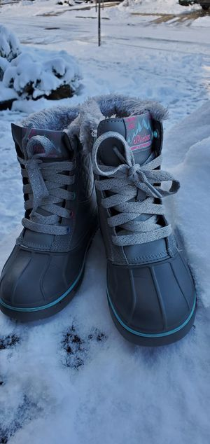 Snow boots Sketchers for girl, size 13 for Sale in Bothell, WA
