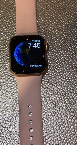 series 6 apple watch for Sale in Cape Coral,  FL