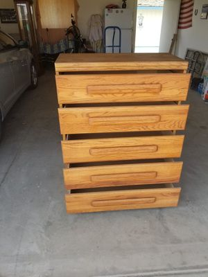 Solid wood oak 5 drawer dresser for Sale in Selma, CA