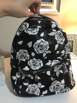 BRAND NEW WITH TAGS WOMEN'S BACKPACK for Sale in Silver Spring, MD