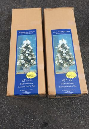 """Christmas tree with lights 42"""" for Sale in Newport News, VA"""