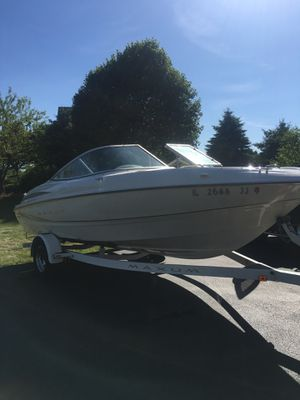2000 Maxum 19 ft. boat with a Mercury motor. for Sale in Carol Stream, IL