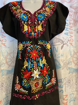 Beautiful embroidered dresses size medium to large for Sale in Lake Wales, FL